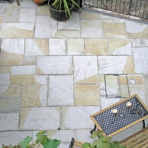 double colour sandstone paving slabs